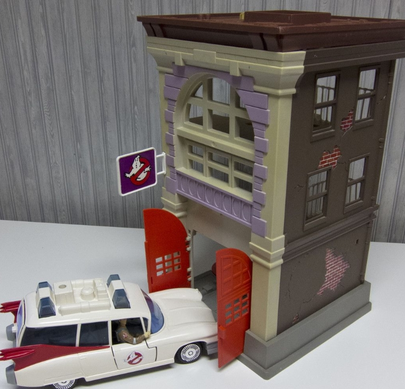 Ghostbusters Firehouse And Vehicles